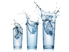 Почему диета Дюкана обязательно должна сопровождаться обильным питьем воды