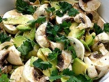 Салат из авокадо с грибами