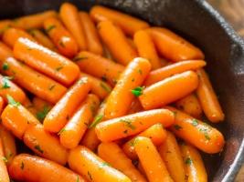 Морковь тушеная с коньяком