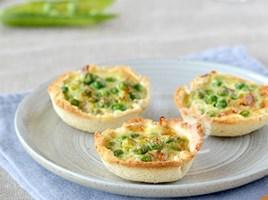 Тарталетки с горохом и сливочным сыром