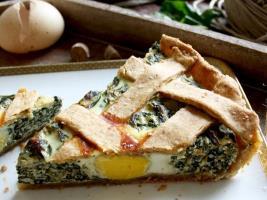 Пирог с рикоттой, шпинатом и яйцом