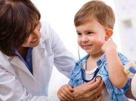 Как научить ребёнка не бояться врача
